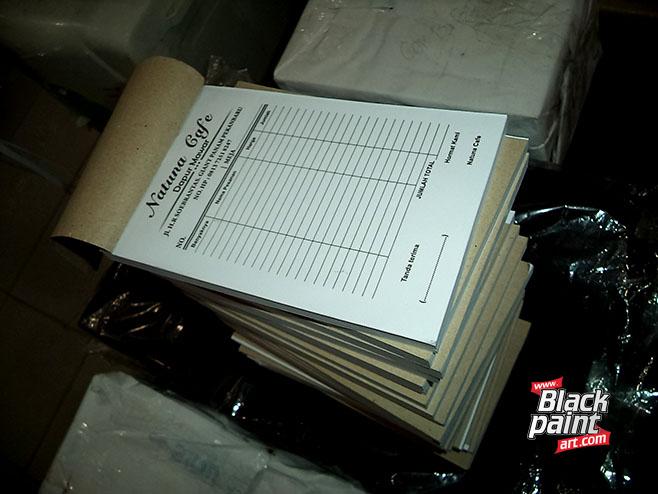 Bagi anda yang sedang mencari tempat cetak faktur di Pekanbaru, coba deh di Blackpaint Art.