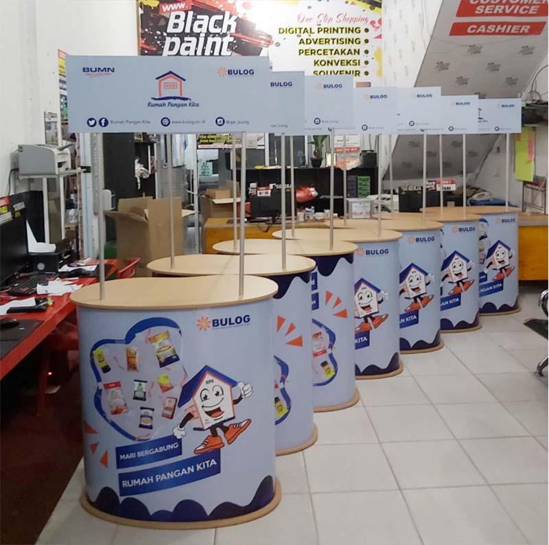 10. Event Desk bundar di poly counter Pekanbaru